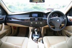 滋賀県中古車 BMW 5シリーズツーリング 525i ハイライン 後期