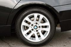 滋賀県中古車 BMW 3シリーズツーリング 320i