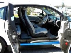 滋賀県中古車 BMW i3 レンジエクステンダー装着車
