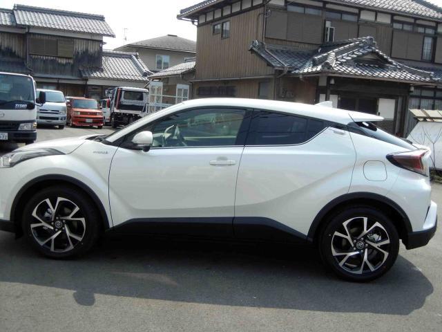 滋賀県中古車 トヨタ C-HR G