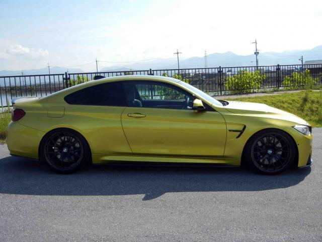 滋賀県中古車 BMW M4 M4 クーペ DCT