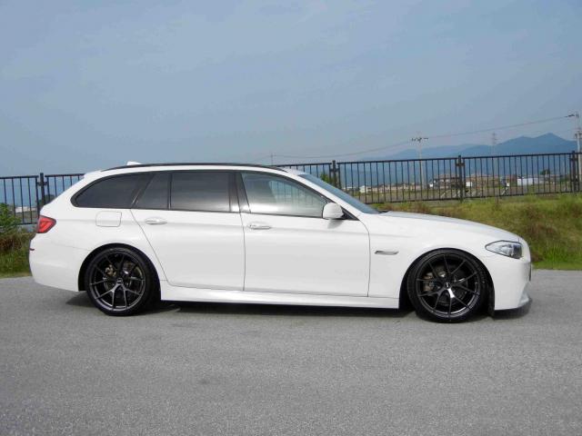 滋賀県中古車 BMW 5シリーズ ツーリング 523i Mスポーツパッケージ