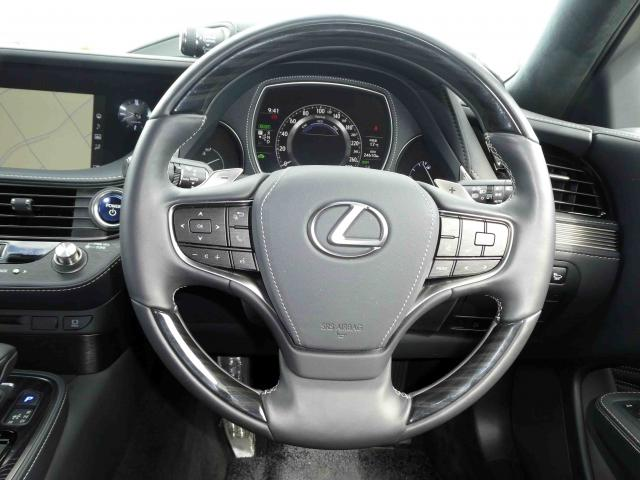 滋賀県中古車 レクサス LS LS500h バージョンL